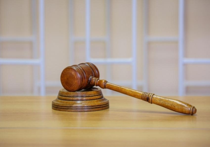В Буйнакске за мошенничество осужден сотрудник полиции