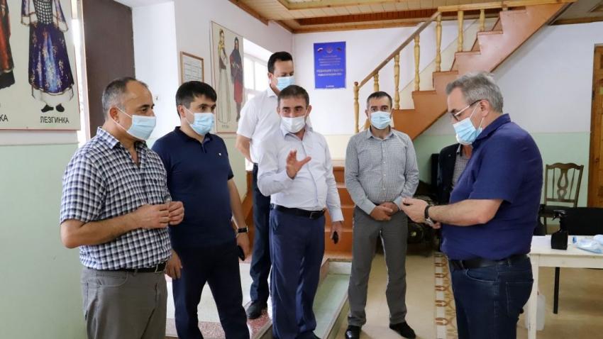 Глава Минздрава РД посетил Табасаранский район