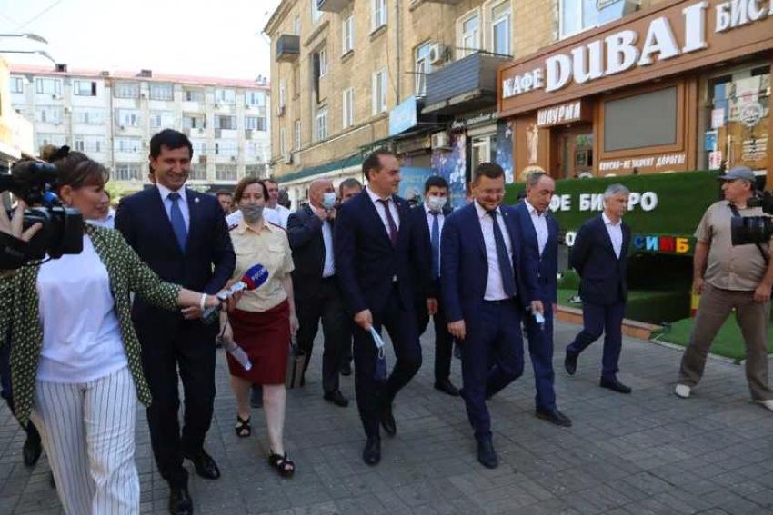 Артём Здунов осмотрел территорию махачкалинского ЦУМа