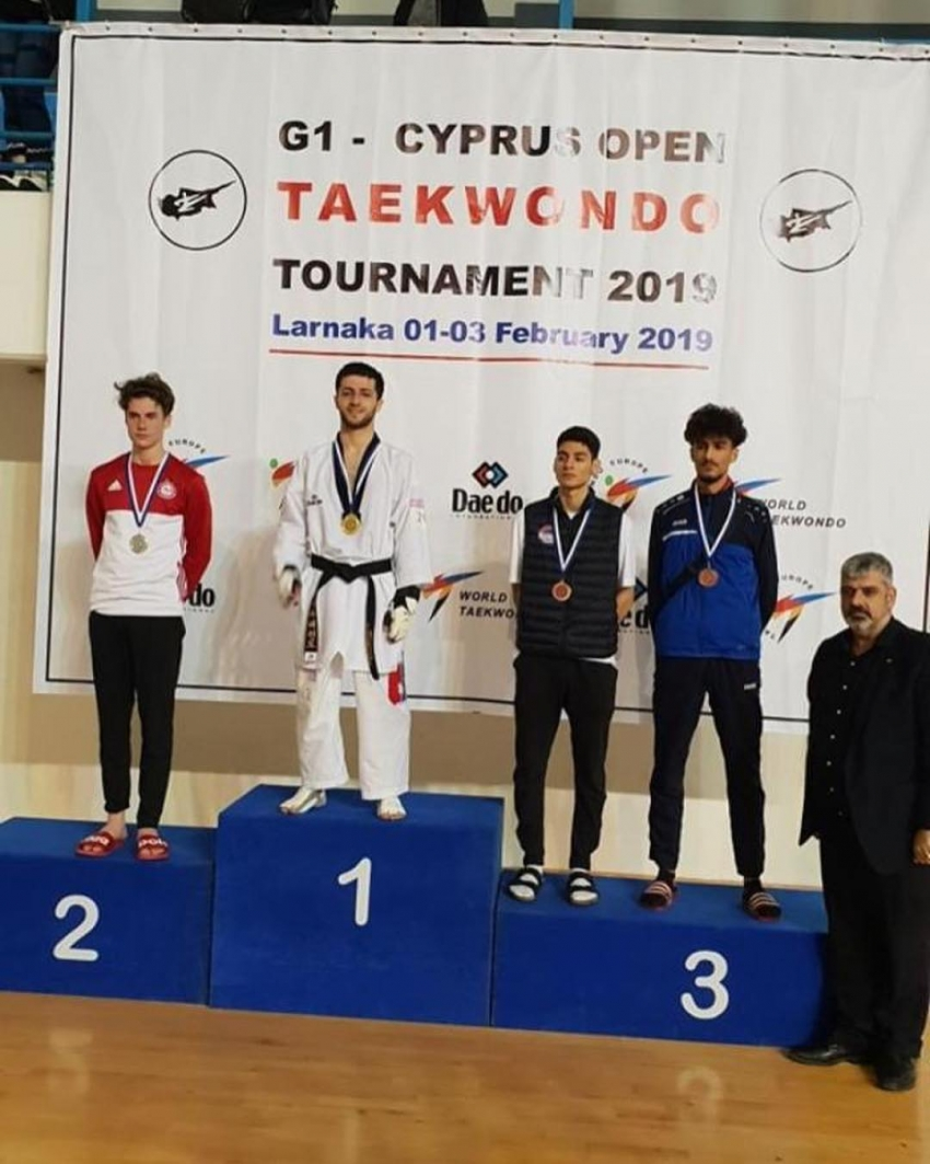 Руслан Алиев завоевал золото в международном турнире по тхэквондо