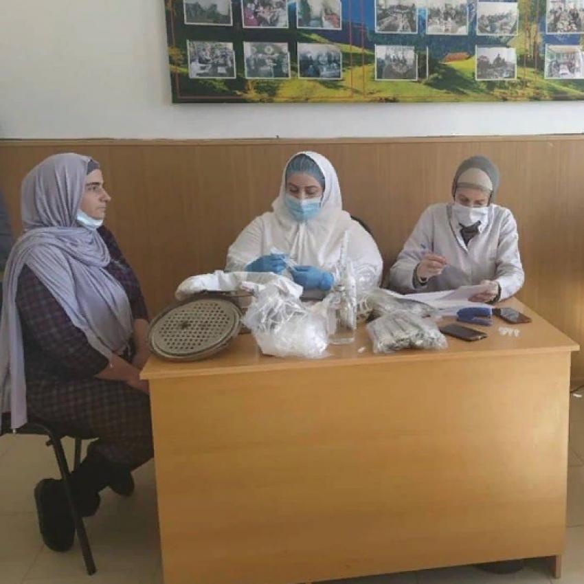 Продолжается антиковидная вакцинация сотрудников минтруда Дагестана