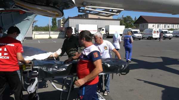 Пострадавших при пожаре в Хасавюрте эвакуировали  бортом санавиации в Ожоговый центр РКБ
