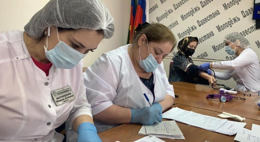 Дагестанские журналисты прошли первый этап вакцинации от COVID-19