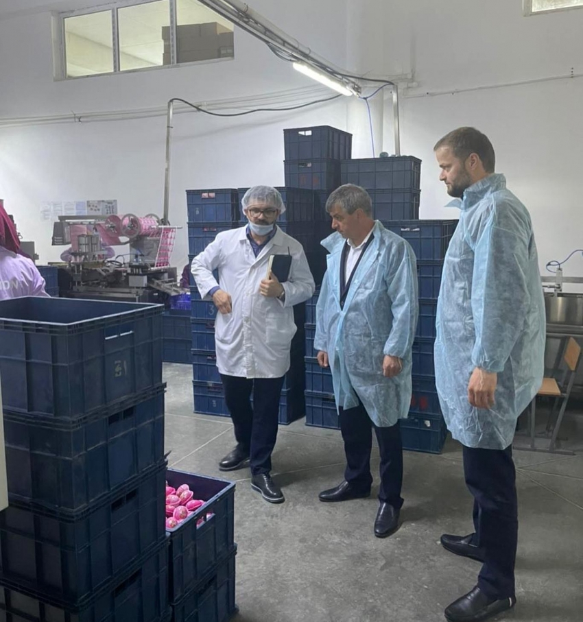 Нюсрет Омаров посетил компанию-производитель детской кондитерской продукции ООО «Юнион»